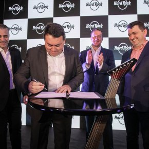 Arena Petry e Hard Rock International oficializam parceria para desenvolvimento do Hard Rock Florianópolis